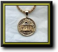 14K Disc pendent Blowup